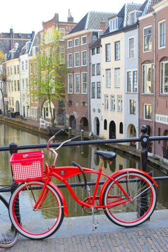 amsterdam-1373743_1280